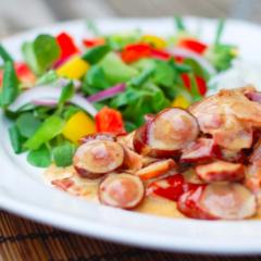 Ofureinfaldur pylsupottréttur með beikoni og sweet chili